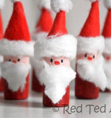 Wine cork Santa bowling - Christmas craft for kids // Parafadugó Mikulás bowling játék - kreatív ötlet gyerekeknek // Mindy - craft tutorial collection // #crafts #DIY #craftTutorial #tutorial #SantaCrafts #Santa #ChristmasCrafts #Mikulás #Télapó