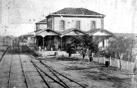 Estação ainda sem a ampliação e torre - 1884