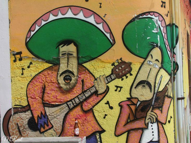 """Grafites nas ruas de Setúbal """"A arte é a auto-expressão lutando para ser absoluta."""" Fernando Pessoa"""