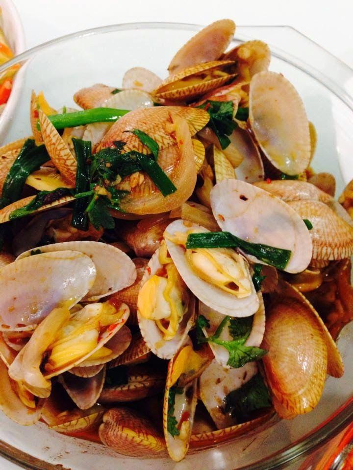 Singapore Home Cooks: Spicy Black Bean Paste Lala / 豉汁炒啦啦 by Carina Khon...