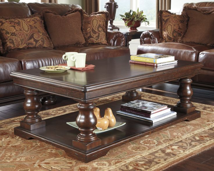 Luxury ashley Coffee Table with Stools