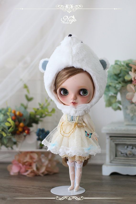 NIGO---BLYTHE clothes 【Fairy Tales Series】={ Cinderella} = Mouse Coachman(BLUE)