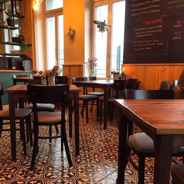 Clean Eating Restaurant The Bowl in Berlin Friedrichshain