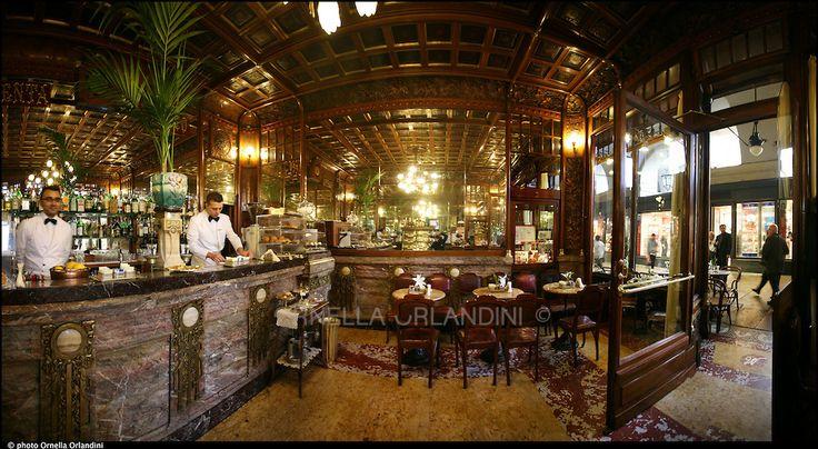 Torino, caffé MULASSANO, piazza Castello