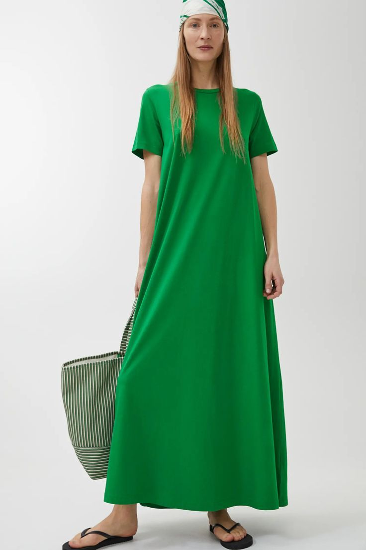 Langes T-Shirt-Kleid Grün Kleider ARKET GB  Long tshirt dress