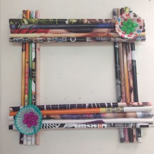 make a cute picture frame from paper rolls recycling papercrafts
