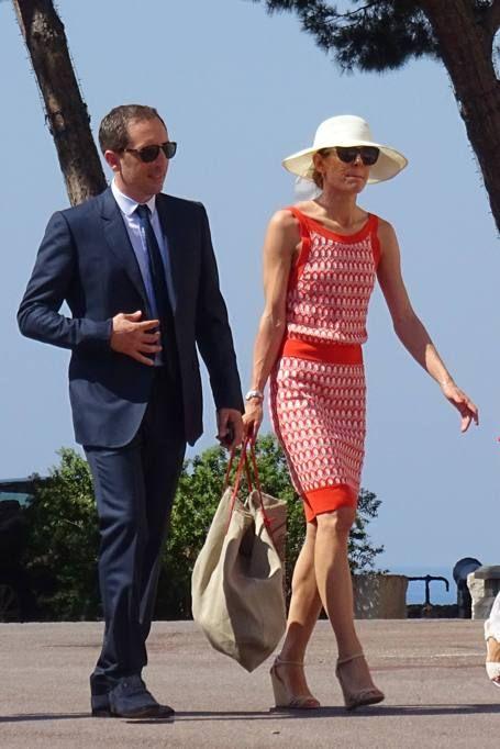 Si è celebrato sabato 25 luglio, a Monaco, nella massima riservatezza (solo 70 presenti tra famigliari e amici intimi), il matrimonio civile tra Pierre Casiraghi e Beatrice Borromeo. Alcuni scatti hanno catturato però l'arrivo della sposa, che