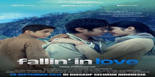 Fallin' In Love | Larasati (Mikha Tambayong), 16 tahun, merasakan jatuh cinta. Semula dia hanya terbuai angan dari novel yang dia baca dan film Korea yang menumpuk di kamarnya. Larasati yakin bahwa...