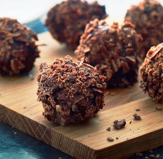 Kokostrøfler med chokolade
