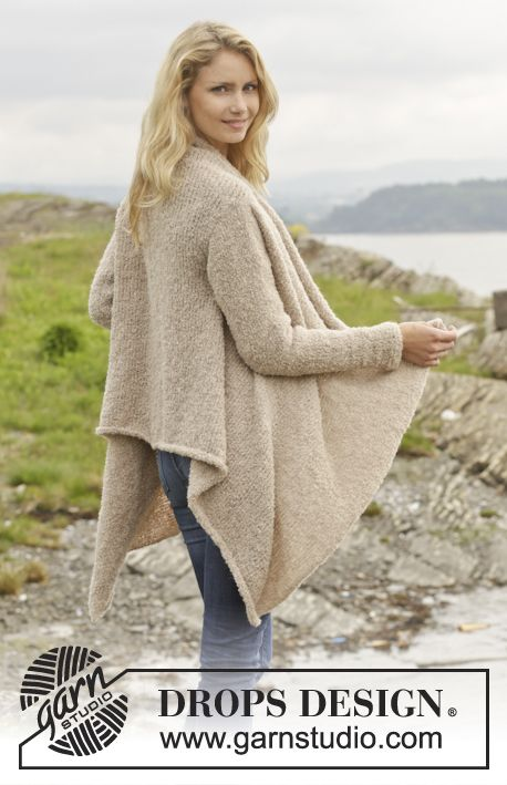 "Knitted DROPS jacket in ""Alpaca Bouclé."" Size: S - XXXL. ~ DROPS Design"