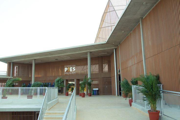 Colegio Pies Descalzos  / Giancarlo Mazzanti