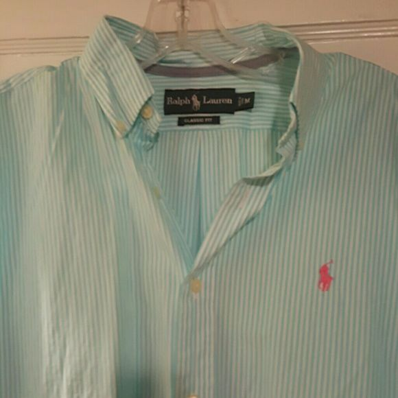 RALPH LAUREN MENS MEDIUM CLASSIC FIT Mens shirt, but would look just as fabulous on women. Basically all I ever wear. Brand new, with tags. Ralph Lauren Tops Button Down Shirts