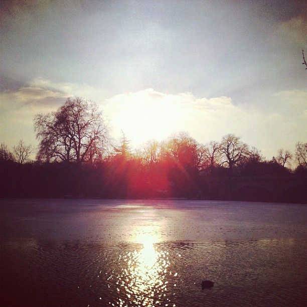 Ice melting on the Serpentine in London