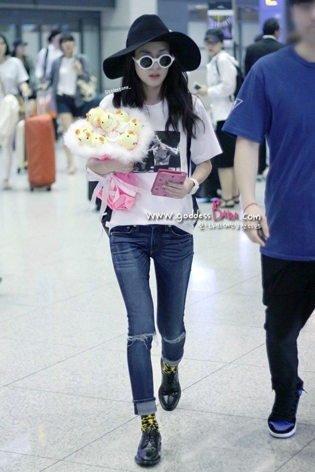 HQ Pictures of Chic Dara at Incheon Airport Arriving from Singapore