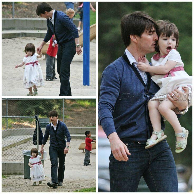 Actor - ator - hair - cabelo - pelo - beautiful - bonita - hermoso - eye - olho - ojo - blue - azul - moda - look - style - estilo - inspiration - inspiração - inspiración - fashion - elegant - elegante - dress - vestido - Janie and Jack - white - branco - blanco - pink - rosa - child - criança - niña - menina - girl - baby - bebê - daughter - filha - hija - father - pai - padre - dad - papai - papá - March - playing - brincando - jugando - park - parque - 2008 - Suri Cruise - Tom Cruise