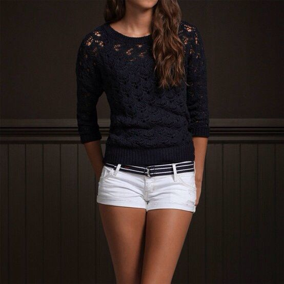 White hollister shorts and sweater