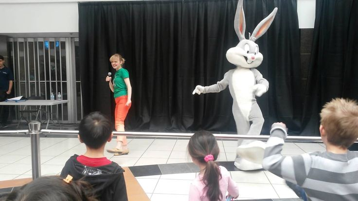 Bugs Bunny's Hokey Pokey!