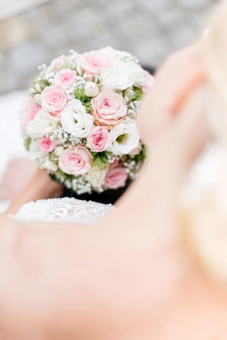 Die Hochzeit von Julia & Thomas – Mercedes gefah…
