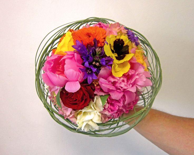 nest bride`s bouquet