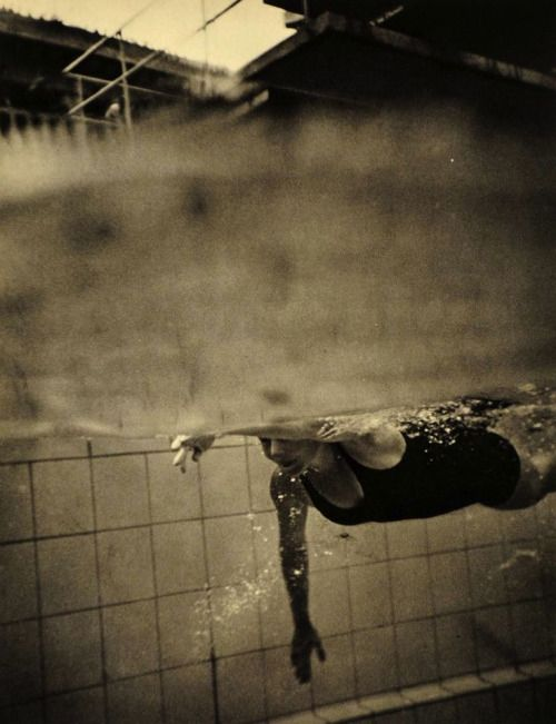 A stunning photograph of a swimmer at the 1936 Summer Olympics, held in Berlin, Germany. Photograph by controversial photographer & filmmaker, Leni Riefenstahl.