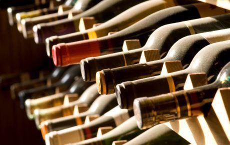 Απίστευτο! Πώς να ανοίξεις ένα μπουκάλι κρασί χωρίς ανοιχτήρι!