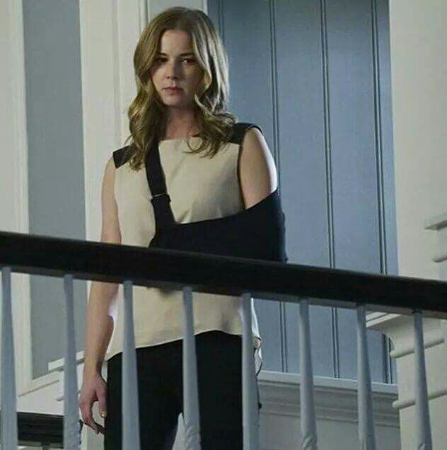 "Revenge season 4 Episode 11 ''Epitaph"" - Episode will air on jan. 4th 2015 - As Emily and Victoria grieve, David springs into action to protect his loved ones. #season4 #4X11"