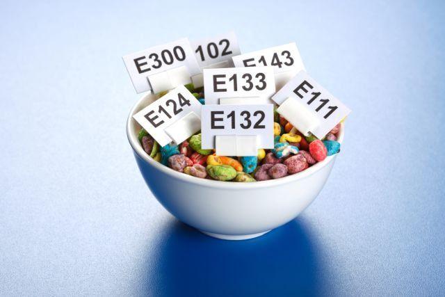 E w jedzeniu - czy wszystkie barwniki i konserwanty są szkodliwe?