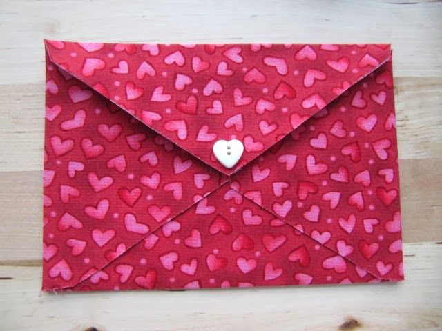 Easy No Sew Fabric Envelope Tutorial…Perfect for Valentine's Day