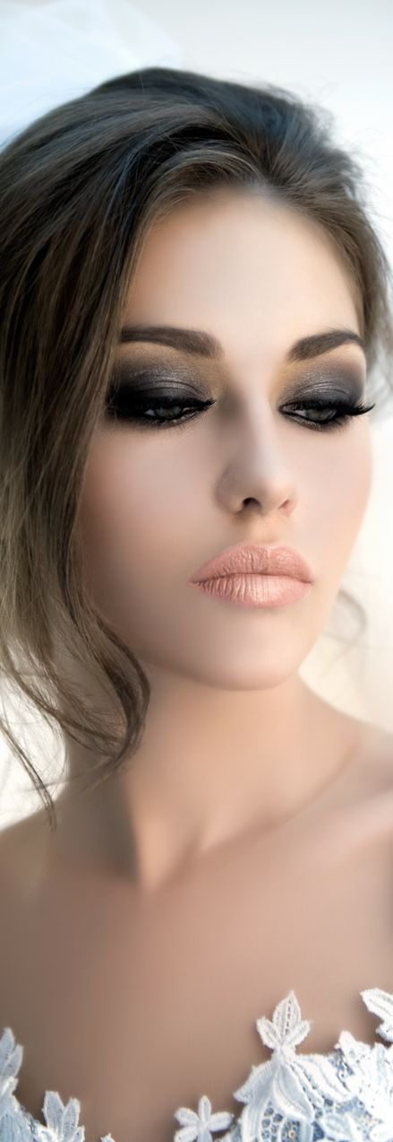 Glamorous smokey eye with a nude/peach metallic lip - The combination is gorgeous, especially the lips.