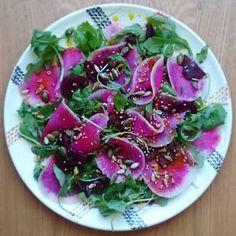 """Gourmandises et Merveilles: Salade d'automne roquette, radis """"red meat"""" et betterave"""