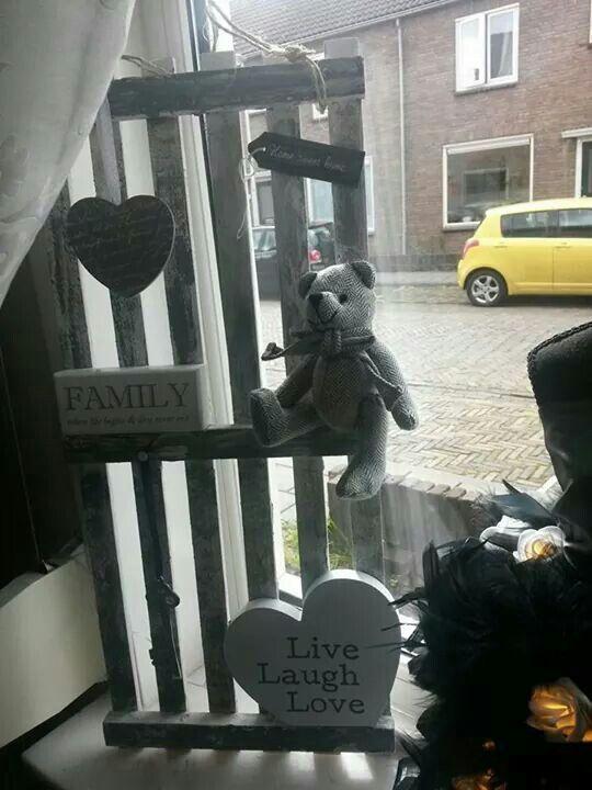 Pallet voot in de vensterbank
