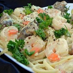 Fettucine et crevettes en sauce blanche