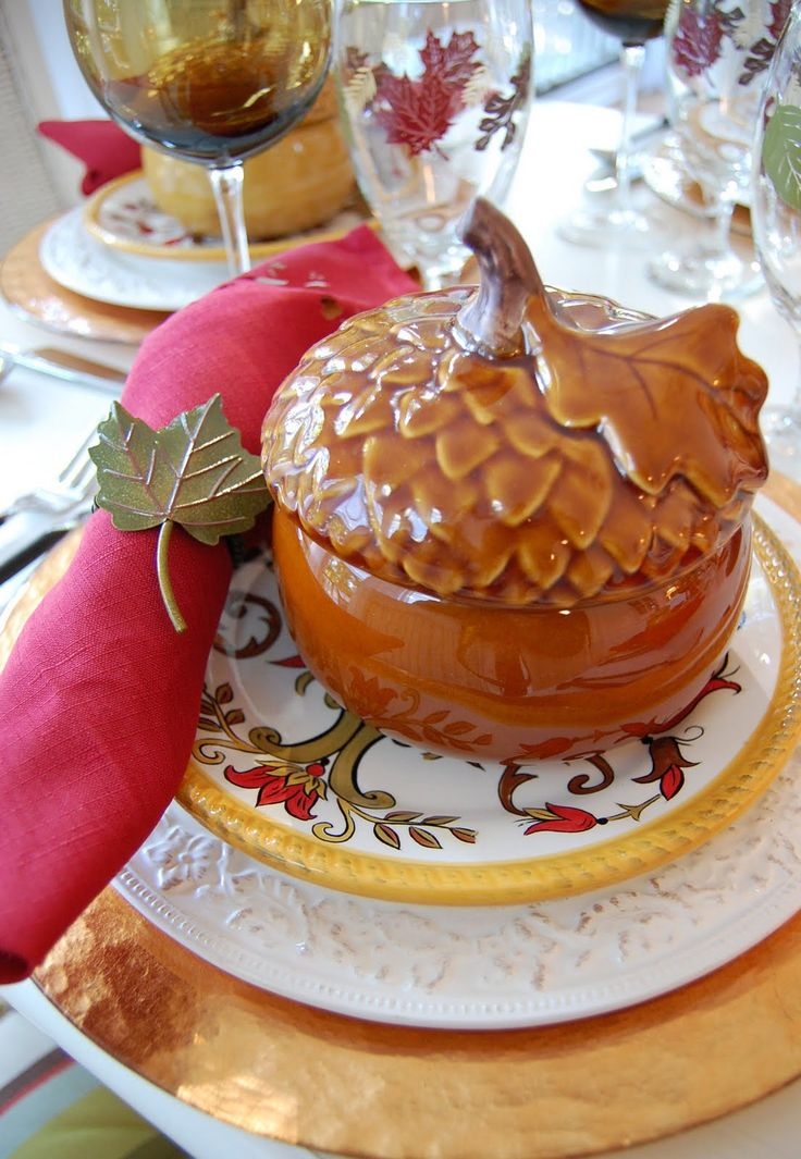 This pretty Thanksgiving tablescape features mini acorn soup tureens from Williams-Sonoma.