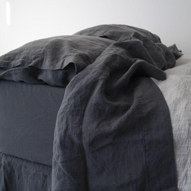 BIANCHERIA lenzuola SET di 4 pezzi. Top di lino francese e lenzuolo e due federe. Realizzato da MOOshop.*45 di mooshop su Etsy https://www.etsy.com/it/listing/276043780/biancheria-lenzuola-set-di-4-pezzi-top