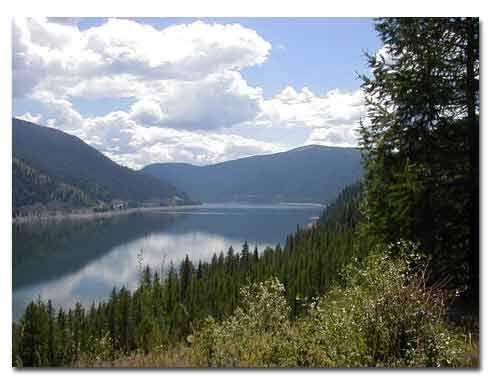 Lake Koocanusa, Libby, Montana Ive always wanted to go to Libby, Montana. My kind of city ;)