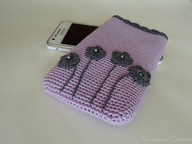 Crochet smart phone case