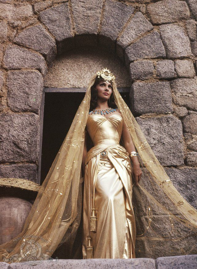 Still of Gina Lollobrigida in Solomon and Sheba 1959 - I think this look will be perfect for an Eastern wedding!!