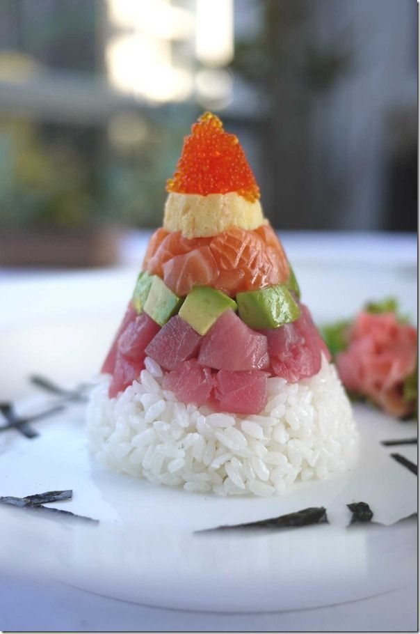 Recipe: Chirashizushi Cone  - tobiko roe, omelette, salmon, avocado, tuna and sushi rice