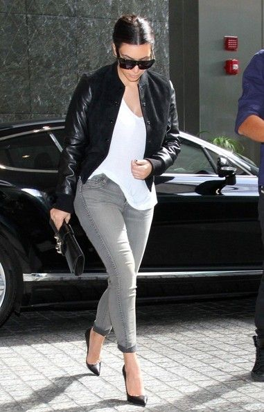 Celebrity Street Style    Picture    Description  Kim Kardashian – Leather Sleeved Jacket, White Top & Grey Rolled-Up Jeans     https://looks.tn/celebrity/street-style/celebrity-street-style-kim-kardashian-leather-sleeved-jacket-white-top-grey-rolled-up-jeans/