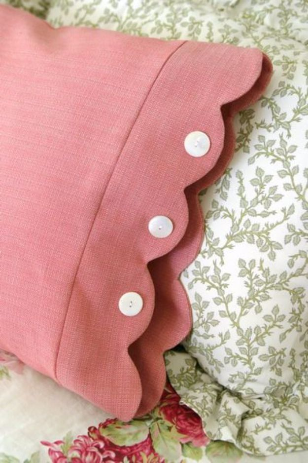 DIY Pillowcases - Scalloped Edge Pillowcase - Easy Sewing Projects for Pillows - Bedroom and Home Decor Ideas - Sewing Patterns and Tutorials - No Sew Ideas - DIY Projects and Crafts for Women http://diyjoy.com/sewing-projects-diy-pillowcases