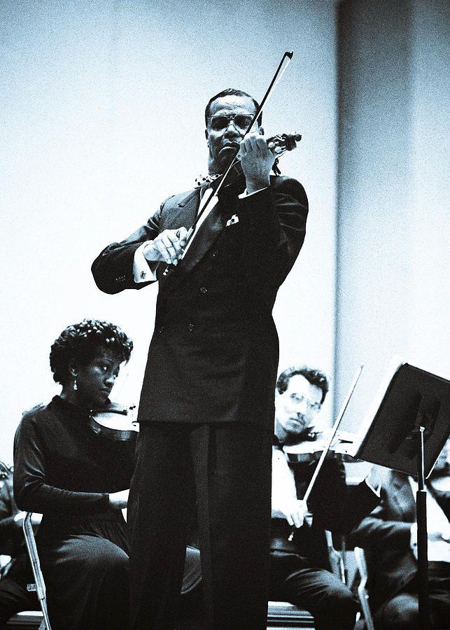 Louis Farrakhan Performing Mendelssohn's Violin Concerto by ...