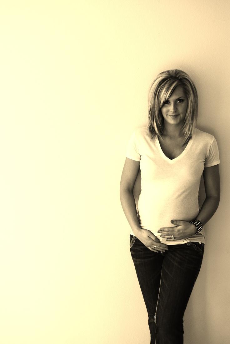 Pregnancy Photo...i love her hair!
