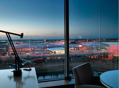 SCHIPHOL CBD * WTC SCHIPHOL AIRPORT * Fabulous views from the WTC on the airport landing aprons