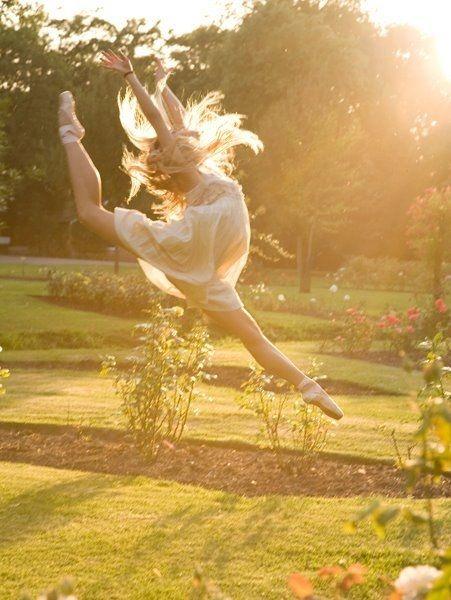 dancing <3