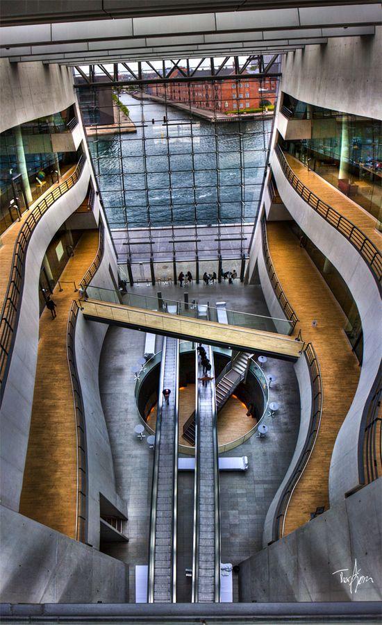 Bibliothèque royale de Copenhague - le Diamant Noir                                                                                                                                                     Plus