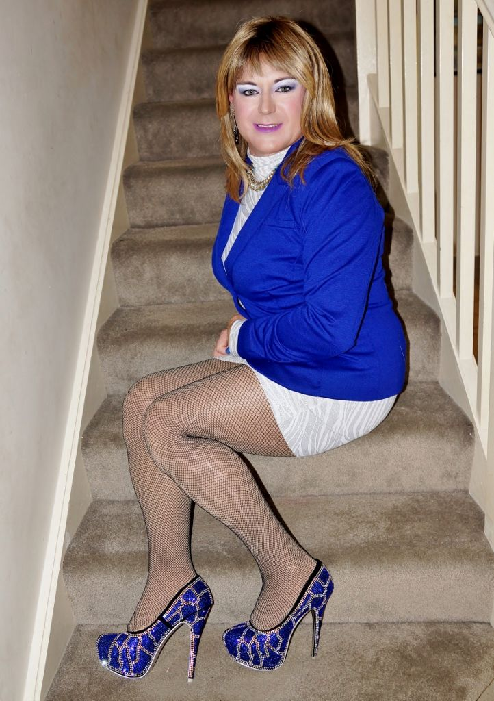 Are my blue pantyhose turning you on joi