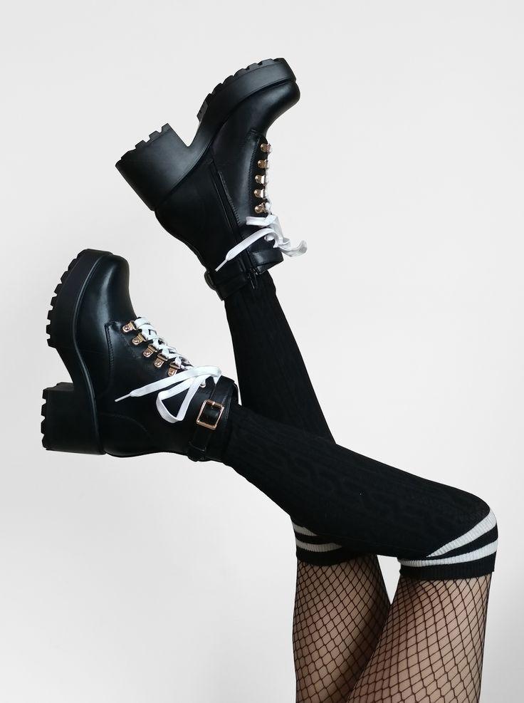 @Raeyel on Instagram! Full outfit details on Raeyel.com! Grunge Koi shoes