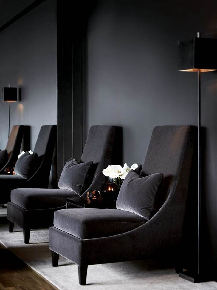 luxury desing, black shades, interior design, black sofas, for more inspirations and ideas visti:http://www.bocadolobo.com/en/inspiration-and-ideas/