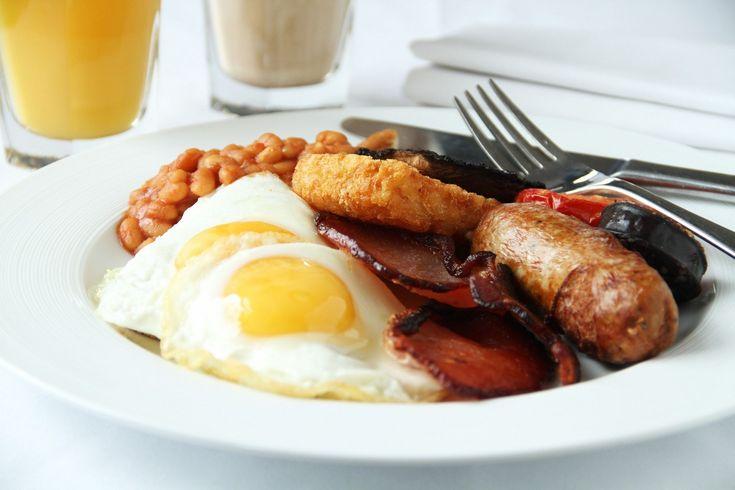 Comiendo comida típica inglesa - http://www.absolutinglaterra.com/comiendo-comida-tipica-inglesa/