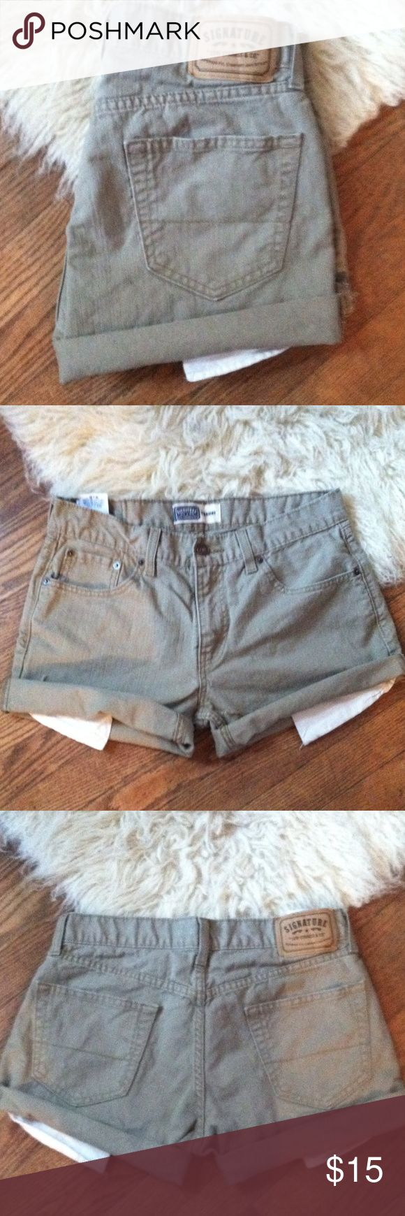 Levi's mid rise jeans denim shorts •Excellent used condition •These were originally men's waist size 30x30 straight leg jeans that I cut into shorts •The size is equivalent to a Women's size 12 (Waist size 31) •Mid rise •Color: Tan •Brand: Levi's •NO TRADES Levi's Shorts Jean Shorts